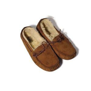 Ugg Dakota moccasins size 7